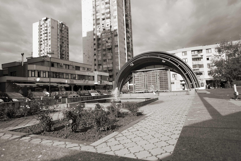 Sarajevo, Spomenik na Trgu Heroja