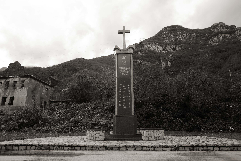 Mostar, Grabovica, Spomenik civilnim žrtvama rata u Grabovici