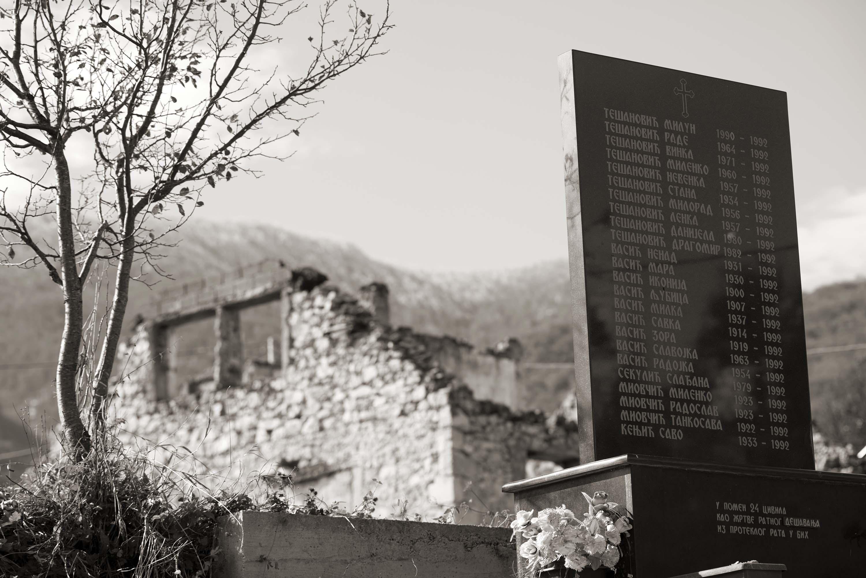 Trnovo, Ledići, Spomenik civilnim žrtvama